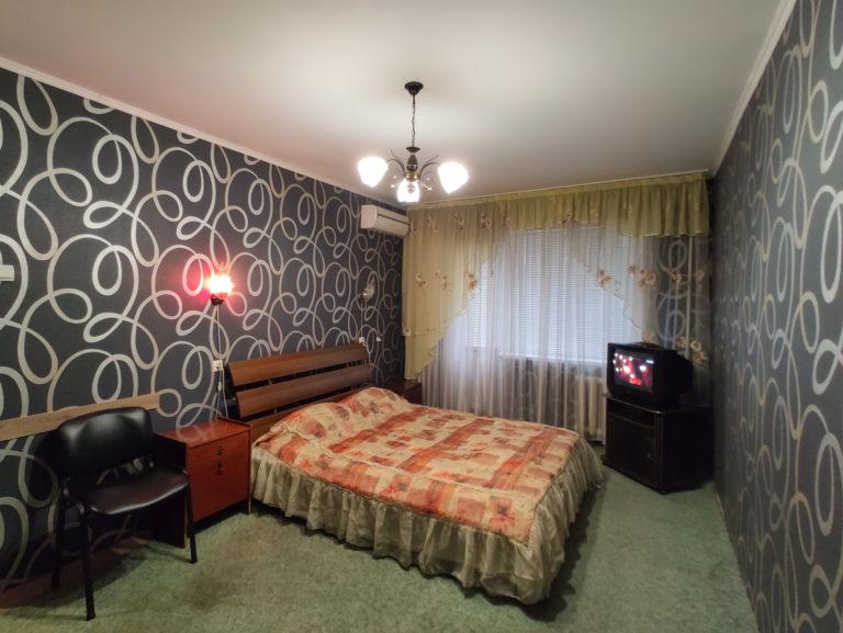 Посуточно: 1-комнатная квартира, бульвар Европейский, 12, Кривой Рог (1 Восточный) 10