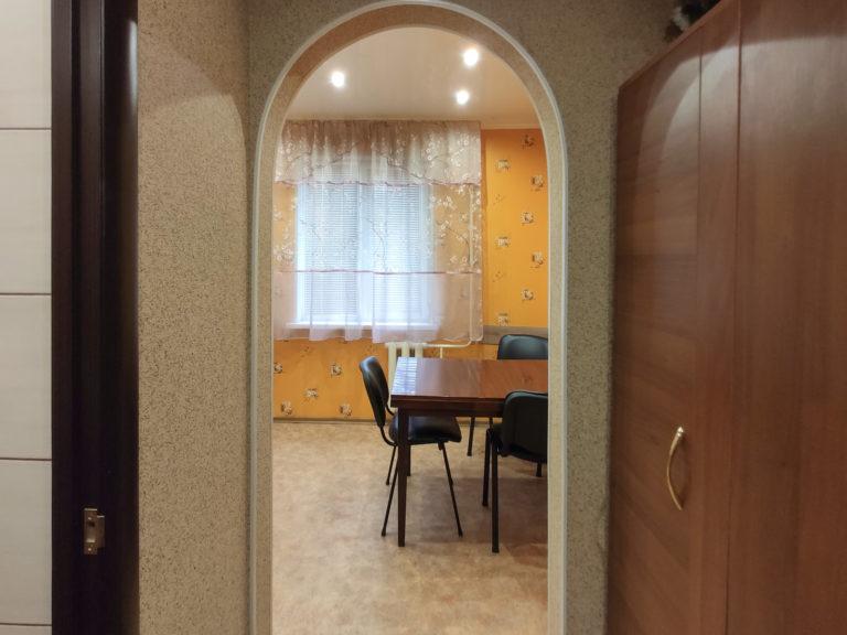 Посуточно: 1-комнатная квартира, бульвар Европейский, 12, Кривой Рог (1 Восточный) 13