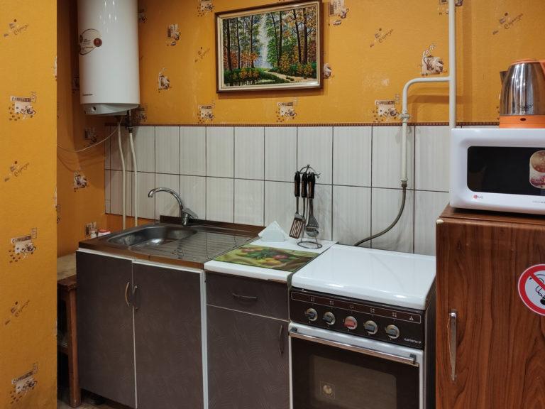 Посуточно: 1-комнатная квартира, бульвар Европейский, 12, Кривой Рог (1 Восточный) 18