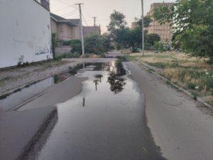 Регулярные порывы канализации на ул. Гетманской, Кривой Рог